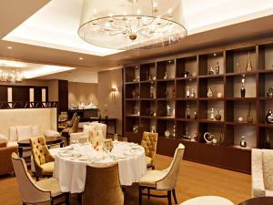 Joy~Nostalg Hotel & Suites Manila Managed by AccorHotels, Apartmanhotelek  Manila - big - 17