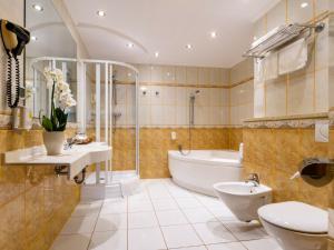 Hotel Boss, Hotel  Varsavia - big - 8