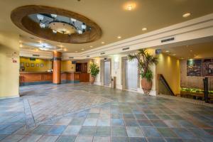 Rimonim Mary's Well Nazareth Hotel