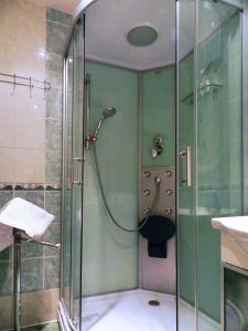 Na Pavlova, Appartamenti  Karlovy Vary - big - 9