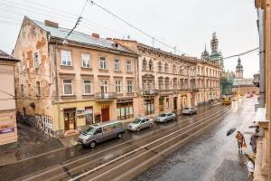 3 Bedroom apartment in Old Center, Apartments  Lviv - big - 28