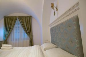 Baroc Apartments Sibiu, Апартаменты  Сибиу - big - 1