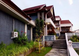 Senaru Lodge