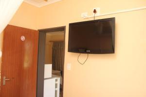 Etuna Guesthouse, Guest houses  Ongwediva - big - 5