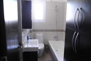 Kiti Deluxe Apartments, Apartmány  Kiti - big - 72