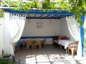 Popovi Guest House, Guest houses  Pomorie - big - 6