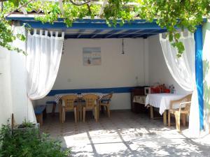Popovi Guest House, Guest houses  Pomorie - big - 7