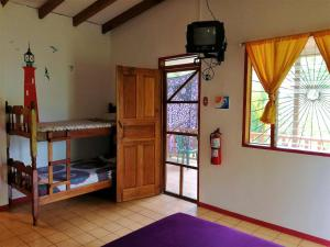 Double Room with Private Bathroom Cabinas Caribe Luna