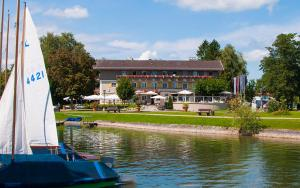 Hotel Schlossblick Chiemsee, Hotels  Prien am Chiemsee - big - 58