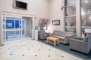 Days Inn & Suites Nacogdoches, Motels  Nacogdoches - big - 14