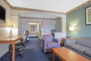 Days Inn & Suites Nacogdoches, Motels  Nacogdoches - big - 12