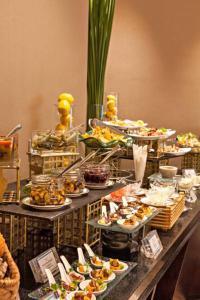 Joy~Nostalg Hotel & Suites Manila Managed by AccorHotels, Apartmanhotelek  Manila - big - 22