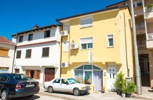 Yellow House Hostel - фото 11