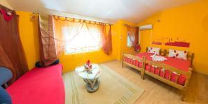 Yellow House Hostel - фото 5