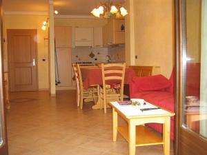 Casa Collini, Ferienwohnungen  Pinzolo - big - 45