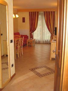 Casa Collini, Ferienwohnungen  Pinzolo - big - 47