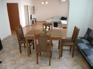 Apartments Kaloyan, Apartmanok  Veliko Tarnovo - big - 23