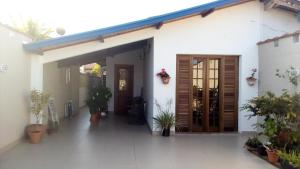 Casa Centro De Ubatuba, Nyaralók  Ubatuba - big - 1