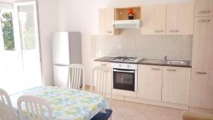 Apartments Benjo, Apartmanok  Novalja - big - 4