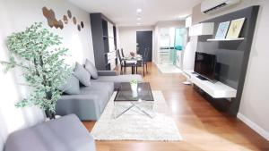 Grand Royal Eclipse Luxury, Apartments  Bang Kapi - big - 32
