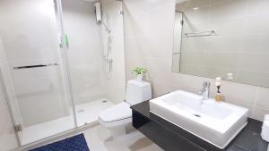 Grand Royal Eclipse Luxury, Apartments  Bang Kapi - big - 52