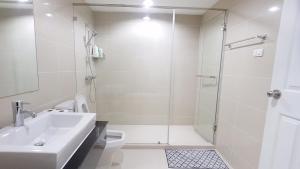 Grand Royal Eclipse Luxury, Apartments  Bang Kapi - big - 55