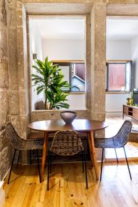 InSitu Living - Lifestyle Mesanine Apartment, Apartmány  Porto - big - 11