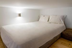 InSitu Living - Lifestyle Mesanine Apartment, Apartmány  Porto - big - 2