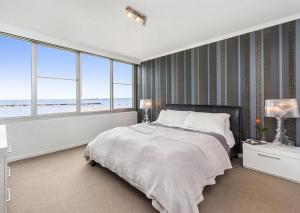 Espresso Apartments - St Kilda penthouse with panoramic Bay and City views, Apartmanok  Melbourne - big - 9