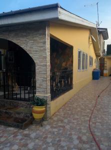 hegis apartment, Appartamenti  Accra - big - 25