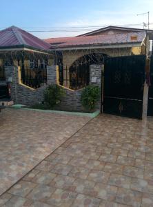 hegis apartment, Appartamenti  Accra - big - 5