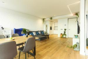 Zen Experience by Valar Properties, Апартаменты  Бухарест - big - 35