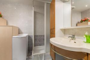 Villa Tina, Appartamenti  Porec - big - 1