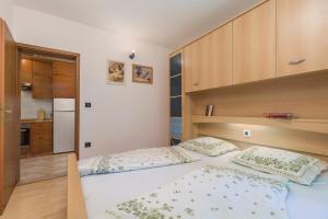 Villa Tina, Appartamenti  Porec - big - 5