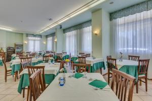 Hotel Austria, Hotels  Caorle - big - 77