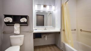 Best Western Plus Lonestar Inn & Suites, Hotely  Colorado City - big - 33
