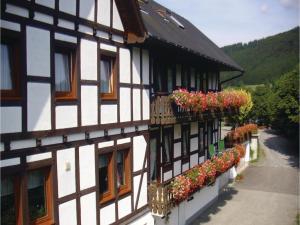 Two-Bedroom Apartment Schmallenberg 03