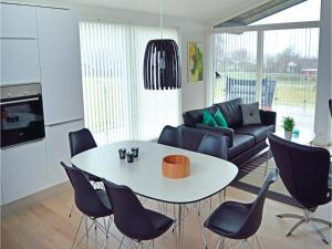 Гостевой дом «Holiday Home Frederikshavn 03», Фредериксхавн