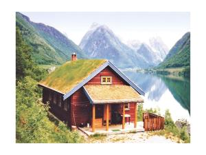 Three Bedroom Holiday home with Sea View in Fjærland