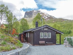 Three Bedroom Holiday Home in Vang i Valdres