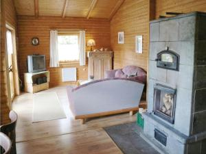 Holiday Home Plaue with a Fireplace 02