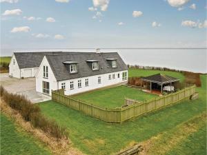 Seven Bedroom Holiday Home in Vestervig