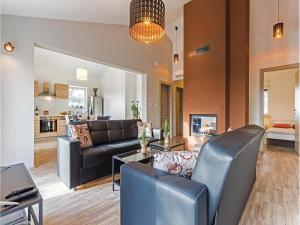 Three-Bedroom Holiday home Marcana with a Fireplace 09, Prázdninové domy  Marčana - big - 19