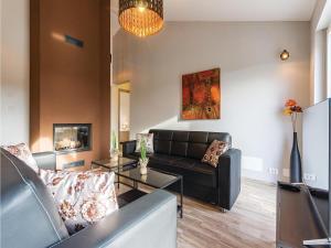 Three-Bedroom Holiday home Marcana with a Fireplace 09, Prázdninové domy  Marčana - big - 17