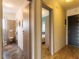 Three-Bedroom Holiday home Marcana with a Fireplace 09, Prázdninové domy  Marčana - big - 26