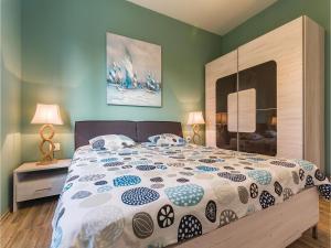 Three-Bedroom Holiday home Marcana with a Fireplace 09, Prázdninové domy  Marčana - big - 25