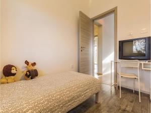 Three-Bedroom Holiday home Marcana with a Fireplace 09, Prázdninové domy  Marčana - big - 20