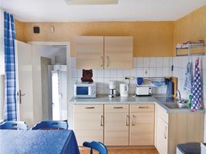 Three-Bedroom Apartment Fürstenberg/Weser 0 03