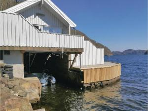 Two Bedroom Holiday Home in Farsund