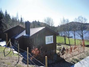 Two-Bedroom Holiday home Farsund with Sea View 01, Nyaralók  Farsund - big - 1